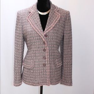Beautiful vintage Oscar de la renta wool blazer